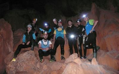 """Είσοδος στο σπήλαιο της """"Νεροσπηλιάς"""" από μέλη του ΕΟΣ Αλμυρού (φωτο)"""