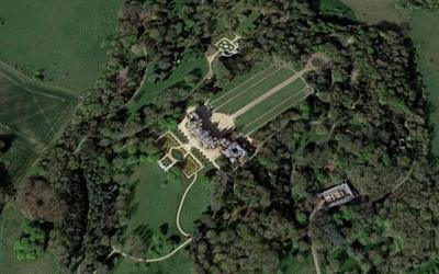 Αεροπλάνο συγκρούστηκε με ελικόπτερο στη Βρετανία - Φόβοι για τέσσερις νεκρούς