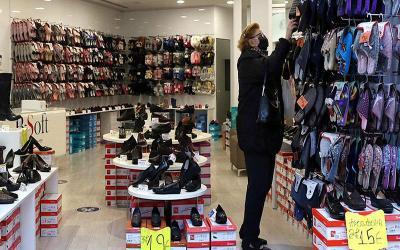 Πανδημία: Χαλάρωσαν τα όρια για τους πελάτες στα καταστήματα