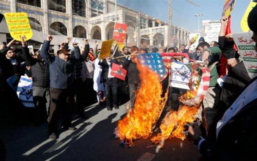 Καζάνι που βράζει το Ιράν - Μαζικές διαδηλώσεις κι επεισόδια