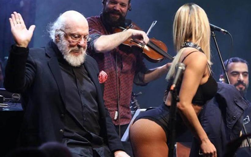 Ο Σαββόπουλος έκανε εγκαίνια στο Άλσος με τολμηρή χορεύτρια