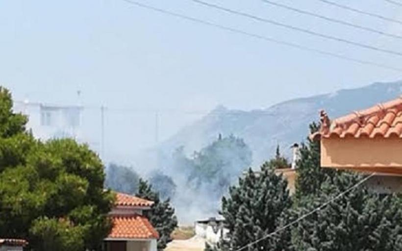 Ελέγχθηκε η φωτιά κοντά στον Ισθμό της Κορίνθου - Απειλήθηκαν κατοικίες στην Κυρά Βρύση