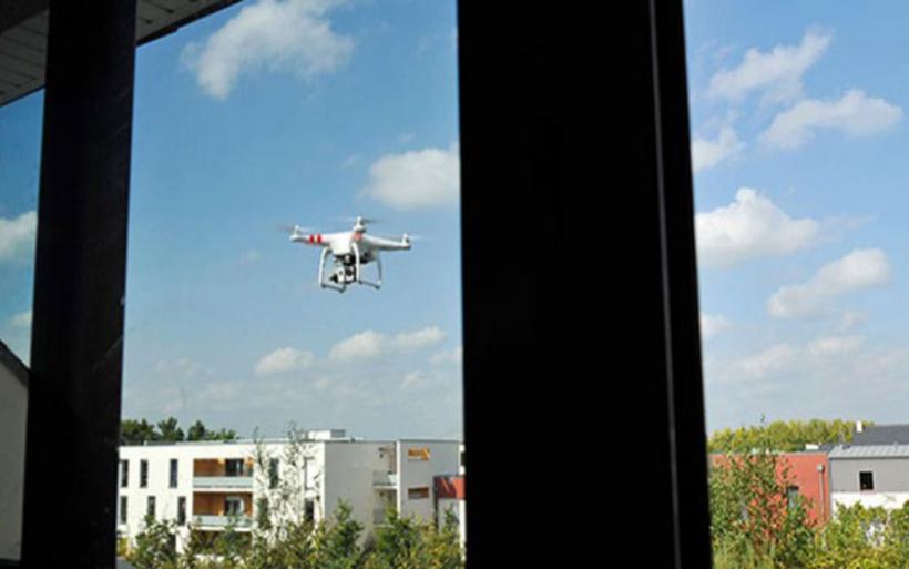 Drones αγνώστων χειριστών ίπτανται έξω από παράθυρα καταλυμάτων στο Πήλιο
