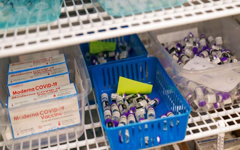 ΗΠΑ: Παρέδωσαν 1 εκατ. δόσεις εμβολίου κατά της Covid-19 στον Καναδά
