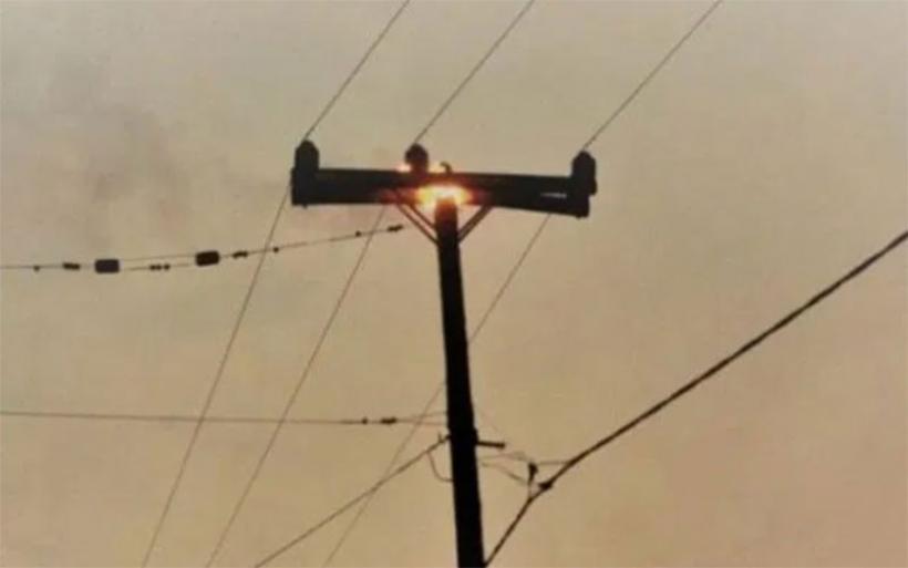 Φωτιά σε στύλο της ΔΕΗ στο Κρόκιο