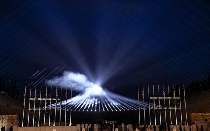 Επίδειξη Dior στο Καλλιμάρμαρο: Δημιουργίες από Ελλάδα και διάσημοι προσκεκλημένοι