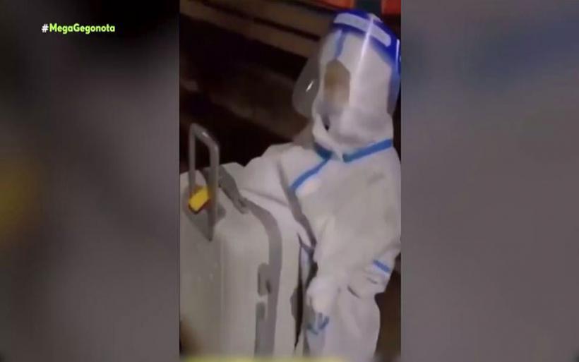 Κίνα: Εικόνες γροθιά στο στομάχι - Αγοράκι μπαίνει μόνο σε καραντίνα