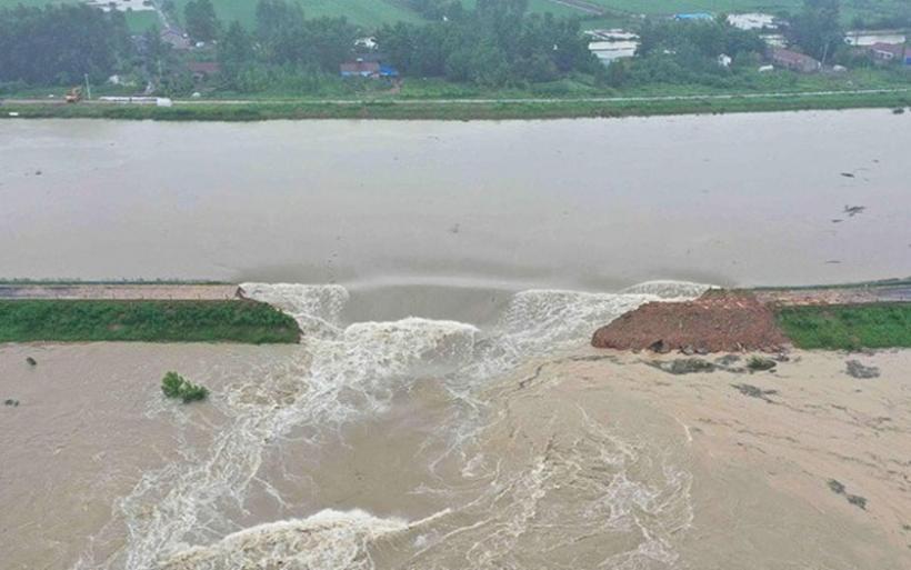 Καταστροφικές πλημμύρες στην Κίνα: Στους 33 οι νεκροί, 8 άνθρωποι εξακολουθούν να αγνοούνται