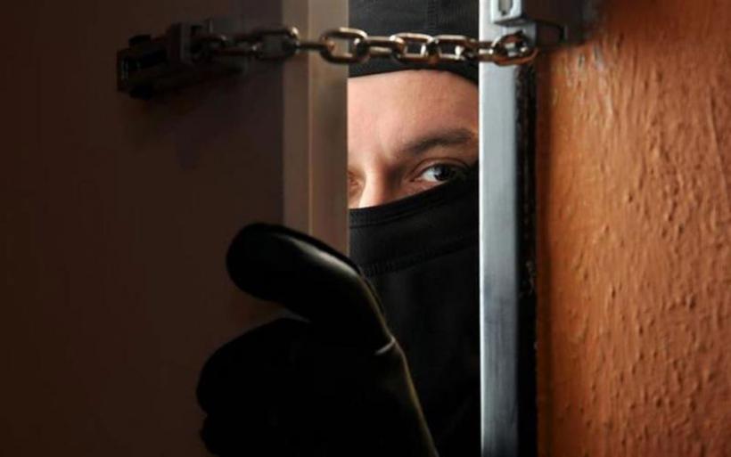Βόλος: Σε εξέλιξη η έρευνα για τους δράστες που έκλεψαν 100.000€ από διαμέρισμα