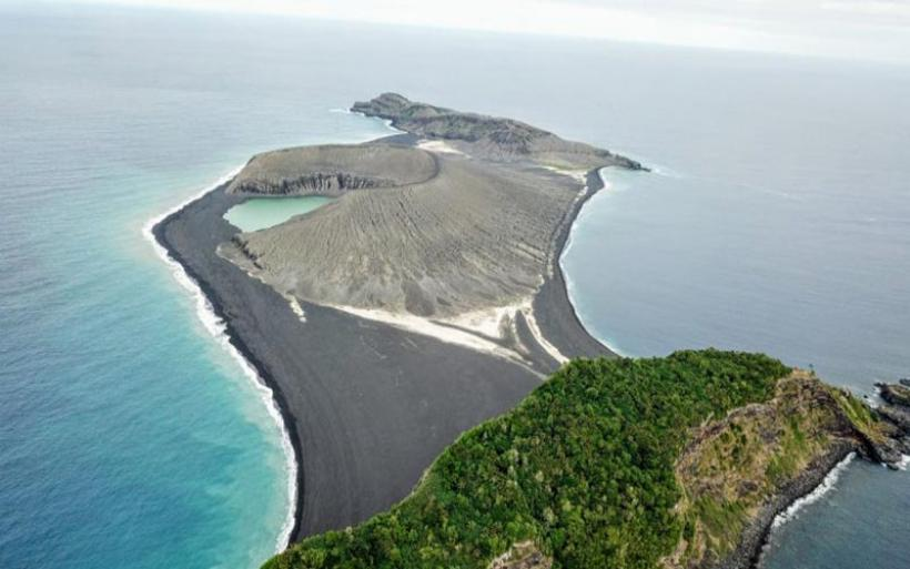 Νησί που ξεπετάχτηκε το 2015 εξερευνήθηκε για πρώτη φορά!