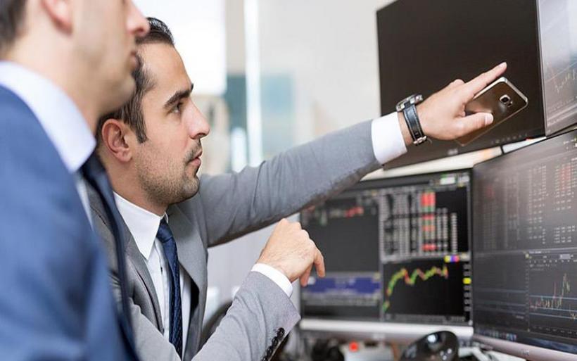 Τα δύο «παράθυρα» εξόδου στις αγορές