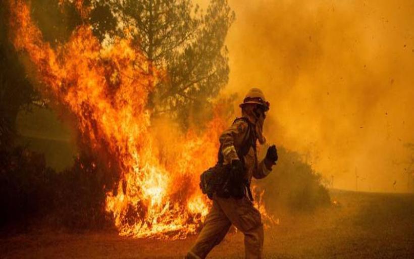 Καθηγητής παν. Πενσιλβάνια: Η κλιματική αλλαγή κρύβεται πίσω από τις καταστροφικές πυρκαγιές