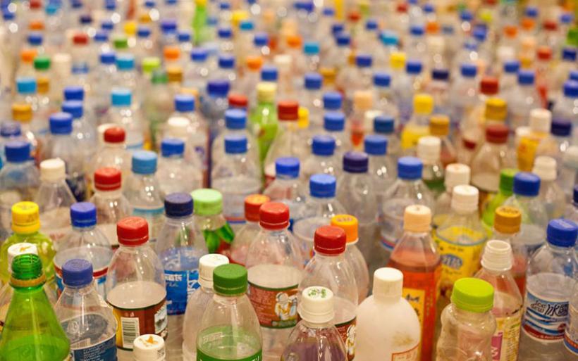 Βιολογική μέθοδος μετατρέπει πλαστικά σκουπίδια σε άρωμα βανίλιας-H γευστική πλευρά του πολυεστέρα