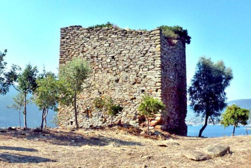 Αρχαιολογικός χώρος θα κηρυχτεί το Κάστρο Πτελεού