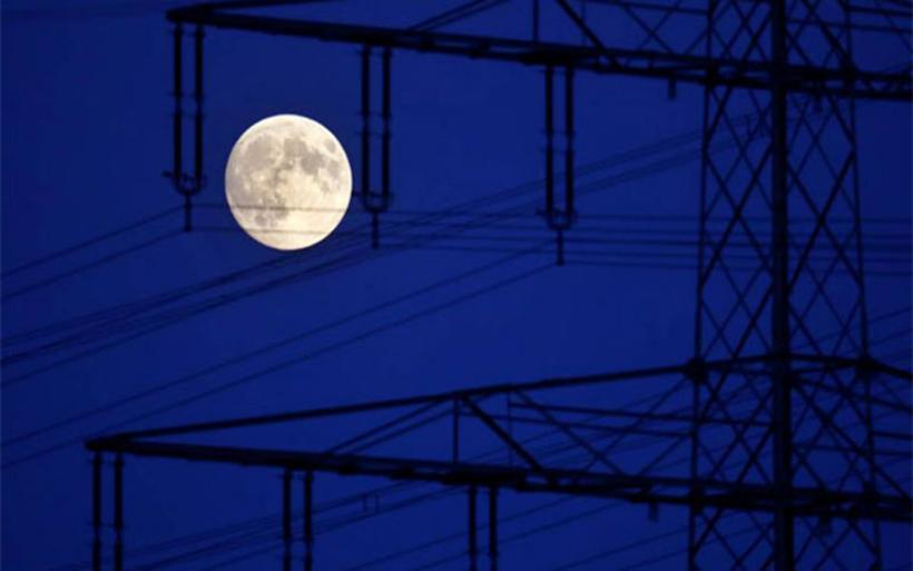 Απόψε Παρασκευή το ματωμένο φεγγάρι: Ολική έκλειψη σελήνης και πανσέληνος