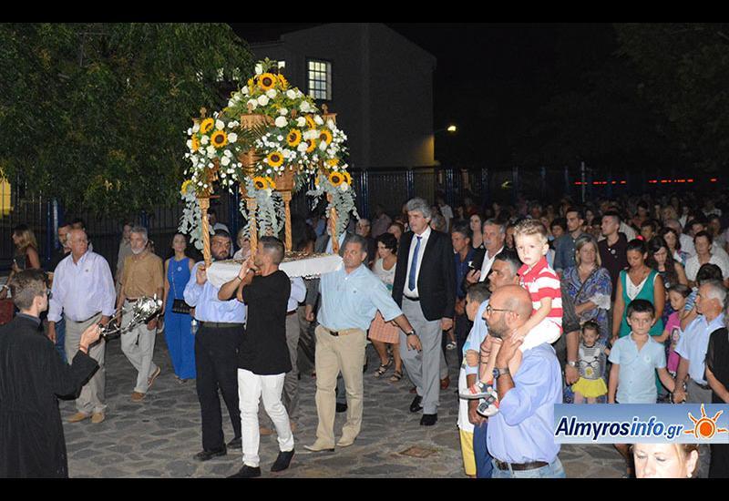 Πλήθος πιστών για τον εορτασμό της Κοιμήσεως της Θεοτόκου στην Ευξεινούπολη (βίντεο&φωτο)