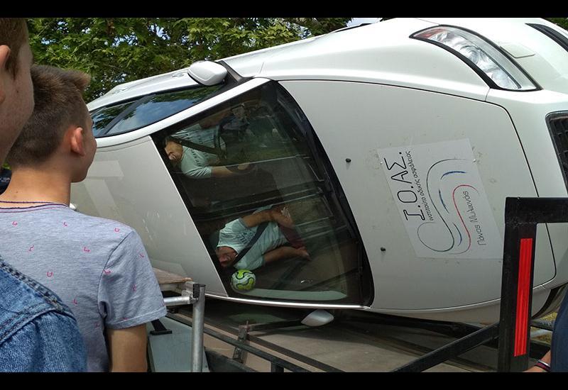 Οι μαθητές του Γυμνασίου Ευξεινούπολης εκπαιδεύονται σε θέματα οδικής ασφάλειας (φωτο)