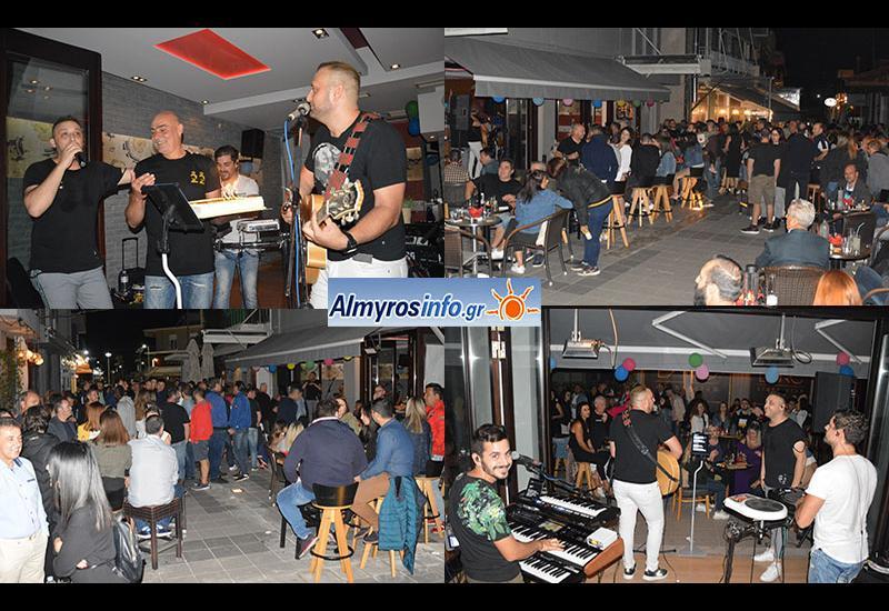 Τα 22α γενέθλια του γιόρτασε το Smart Cafe στον Αλμυρό (φωτογραφίες)